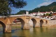 Bosnian War Crimes Suspect Flees to Croatia