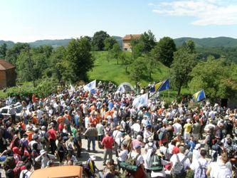 Marš mira ka Srebrenici s više od 4.000 učesnika