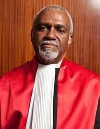Patrick Robinson: Najtraženijim bjeguncima sudit će se u Haagu