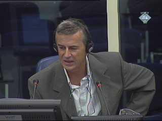 Karadžić: Modificirane avionske bombe