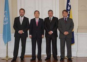 Ban Ki-moon odao počast žrtvama genocida