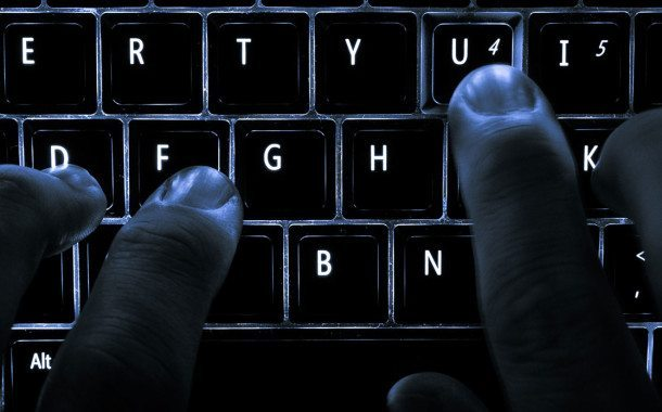 Strožijim kaznama umanjiti govor mržnje na internetu