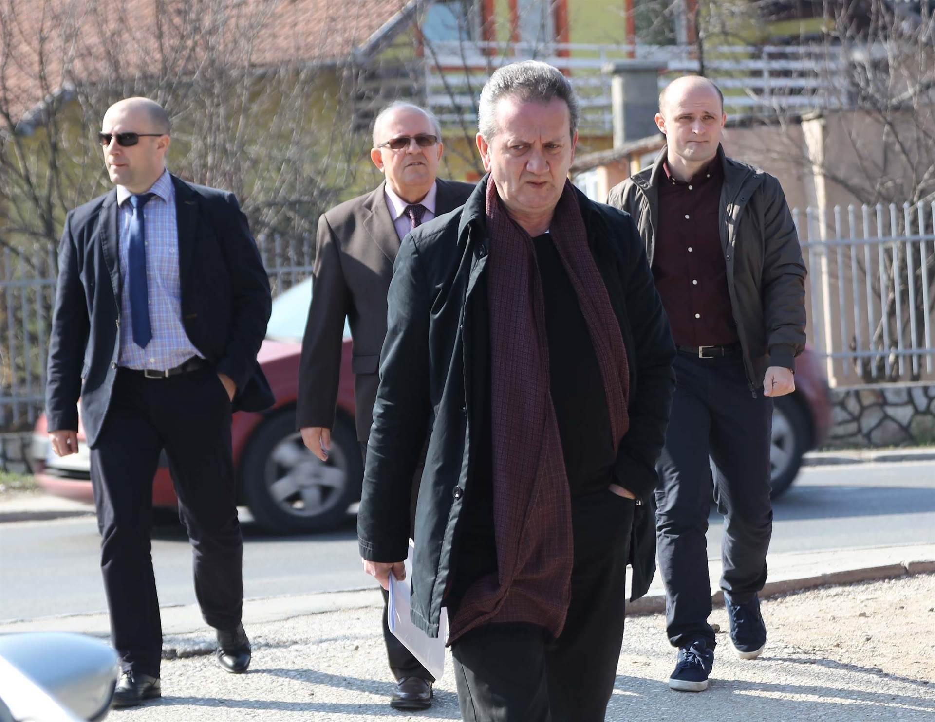 Matuzović i ostali: Vojna policija odvodila zatvorenike