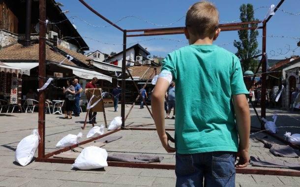Bijele trake kao sjećanje na stradale Prijedorčane
