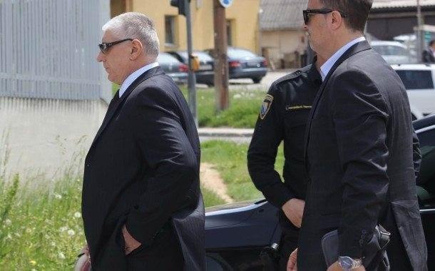 Vikić i ostali: Sklonili stražara da ubace tijela
