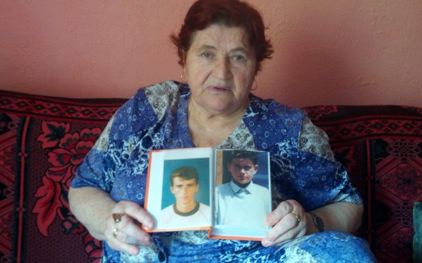 Bosnian Widow Spends Last Days Between Sons' Graves