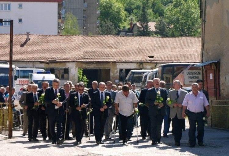 Bosnian Serbs Shift Commemoration in Memorial Row