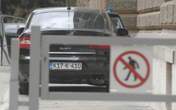 Povećan broj službenih auta i njihova cijena (VIDEO)