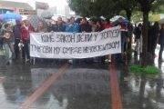 Protesti zbog skupih automobila završili zahtjevom za smjenu Vlade