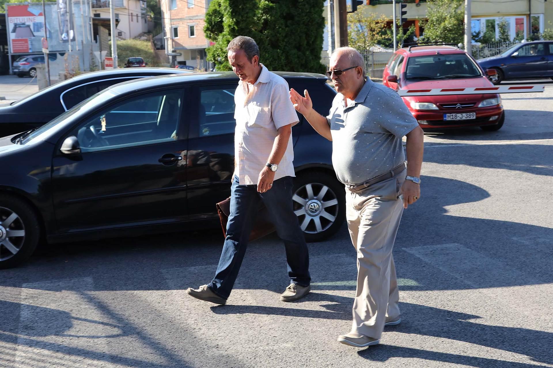 Matuzović i ostali: Suprug tjeran da kopa rovove