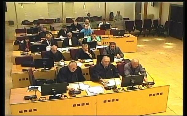 Josipović i ostali: Ukrcavanje zarobljenika u autobuse