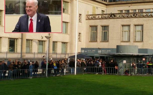 Ratko Mladić: Od smijeha do psovki u sudnici Haškog tribunala