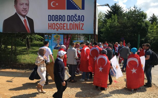 Bosnia Cancels Four Turks' Residence Permits on Erdogan's Request