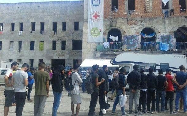 Migranti u Bihaću izmješteni u Đački dom