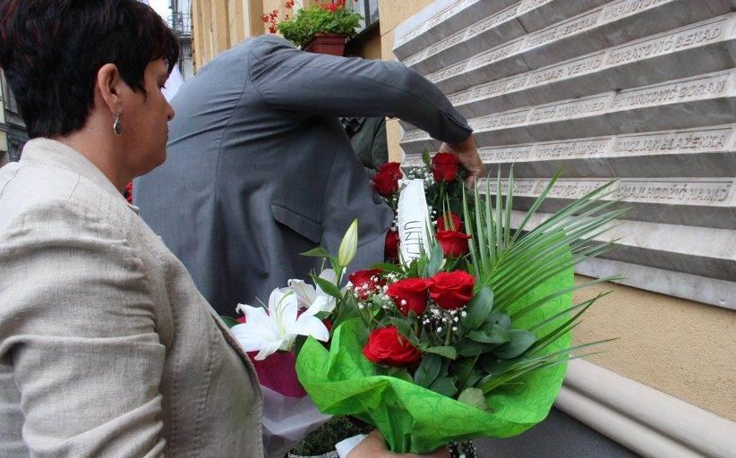 Bosnia Commemorates Victims of Sarajevo Market Massacre