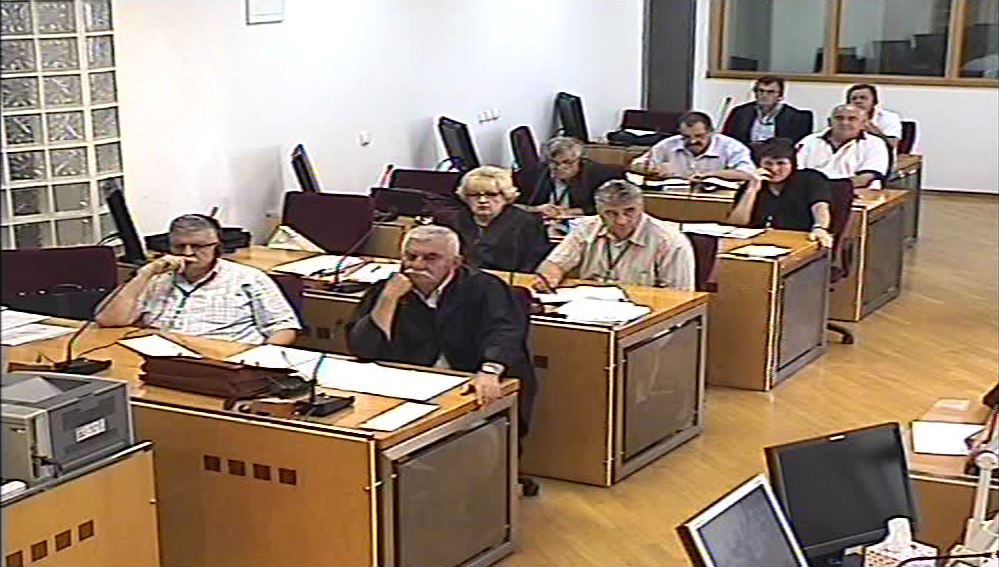Tepić i ostali: Specijalci zauzeli stanicu policije