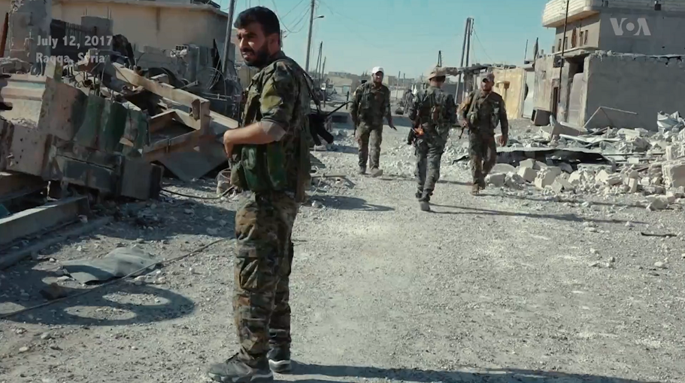 SDF_fighters_in_Raqqa_downtown.png