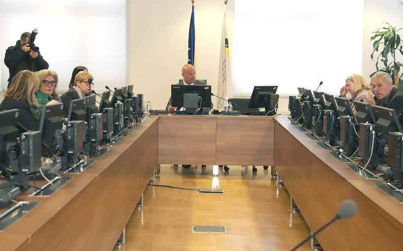 Kandidati predstavili programe, Tadić ima najviše bodova