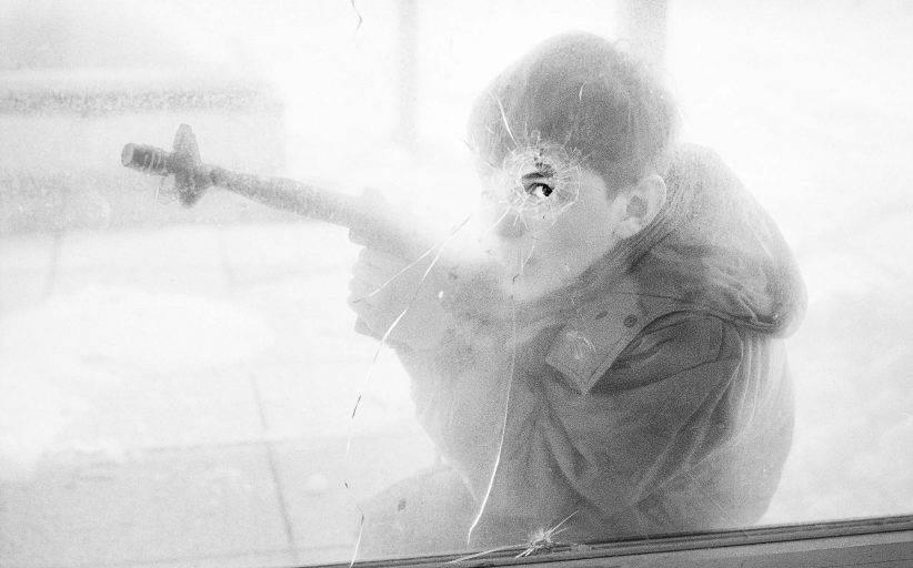 """Sarajlija traži fotografije ubijenog brata i čuva uspomene na opsadu na stranici """"Aleja snajpera"""""""