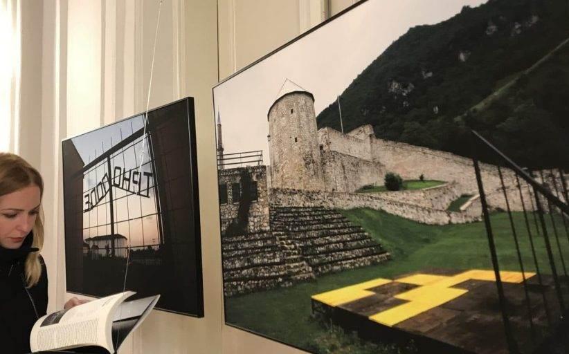 Izložba fotografija o mjestima kulture pretvorenim u logore