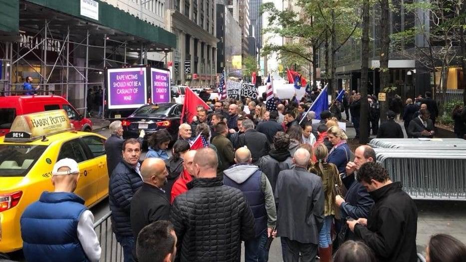 U New Yorku održan protest za žrtve silovanja u ratovima na Balkanu
