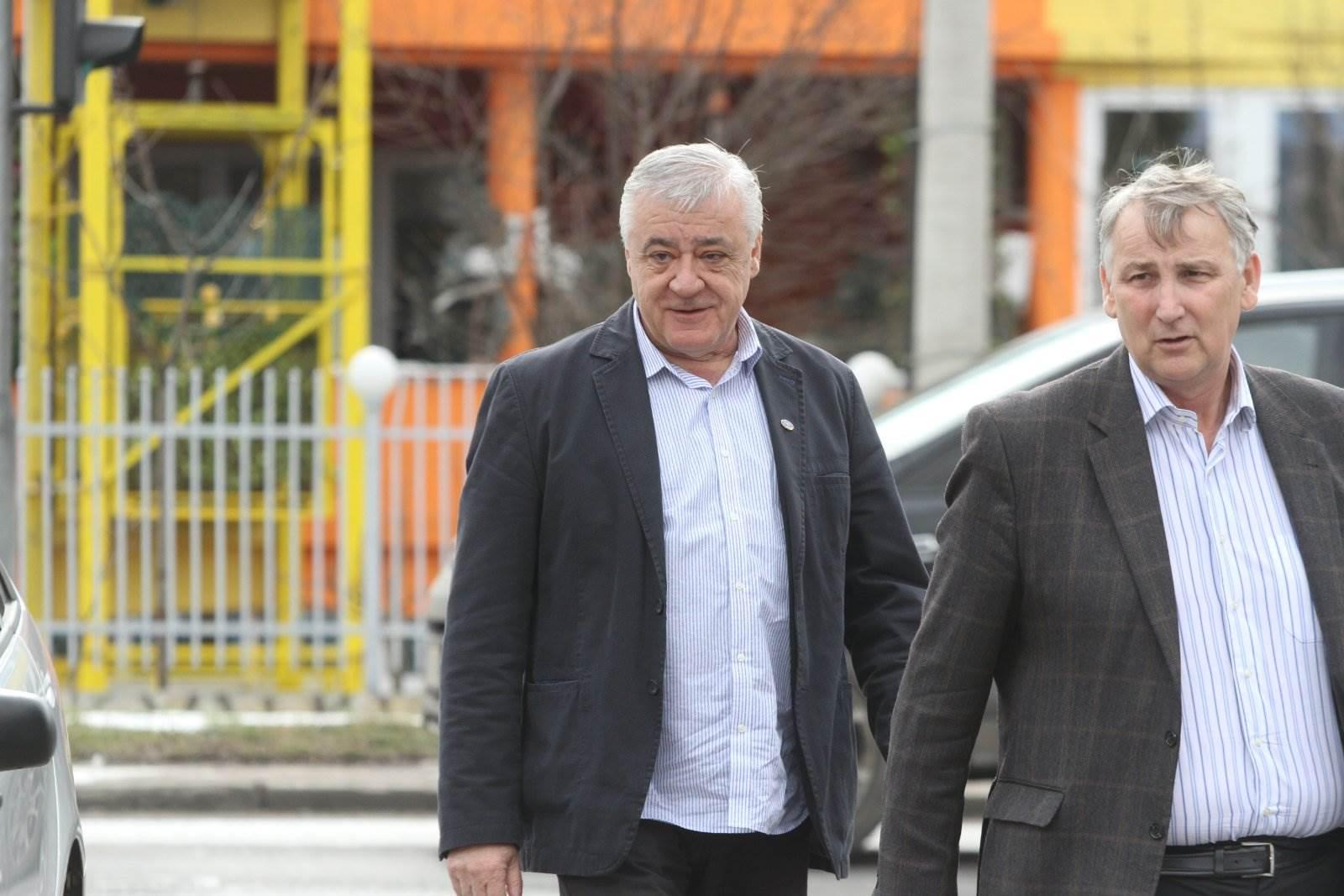 Bosnian Serb Veterans' Leader Denies Assisting Srebrenica Genocide