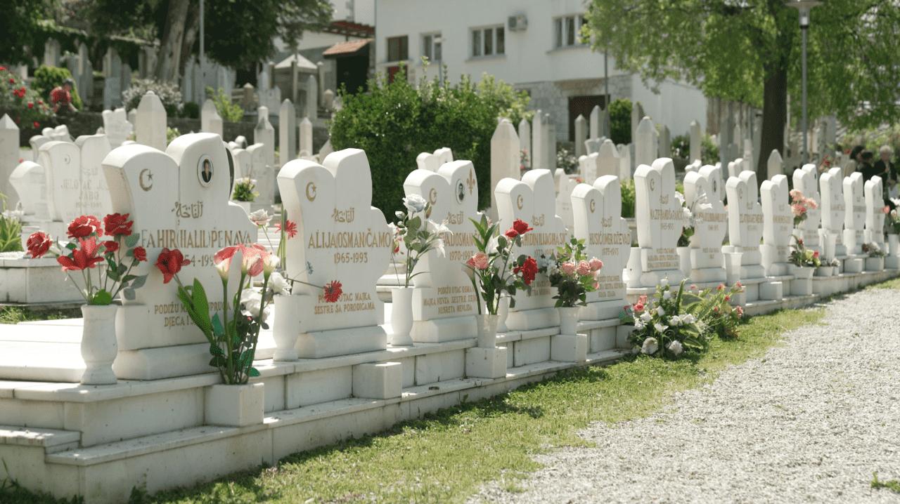 Mezarje-ubijenih-iz-Vranice-1280x718.png